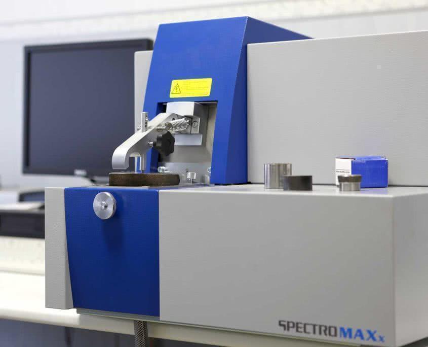 Оптико-эмисионный спектрометр